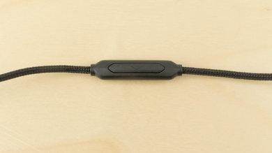 V-MODA Crossfade M-100 Controls Picture
