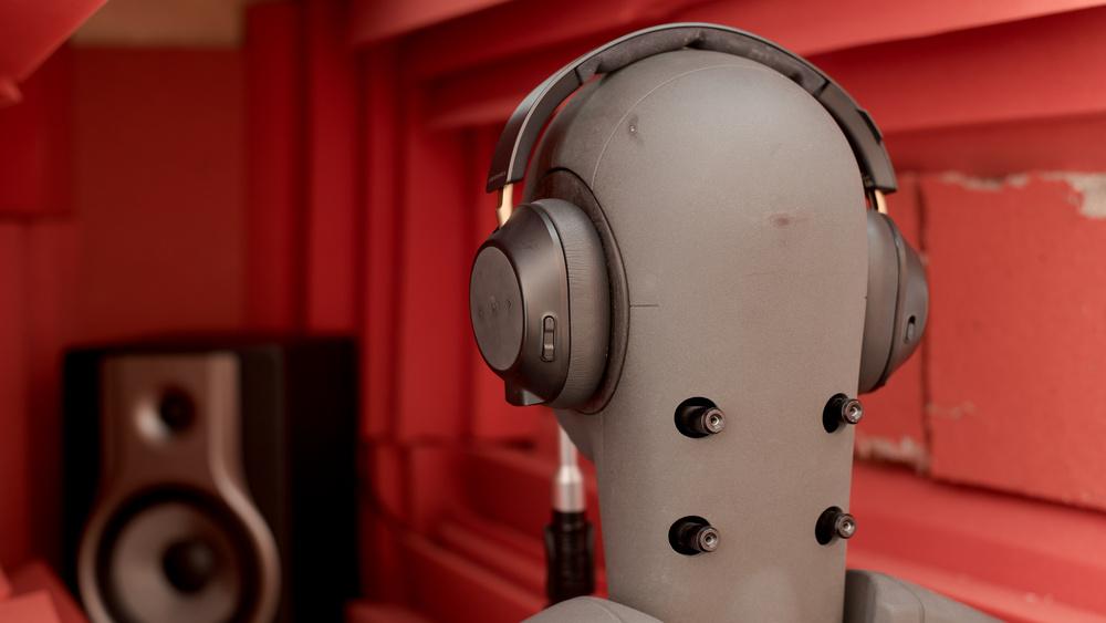 https://www.rtings.com/headphones/reviews/plantronics/backbeat-go-810-wireless