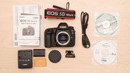 Canon EOS 5D Mark IV In The Box Picture