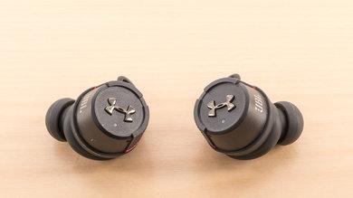 JBL UA True Wireless Flash Controls Picture