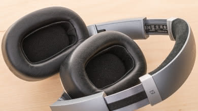 AKG N700NC Wireless Comfort Picture