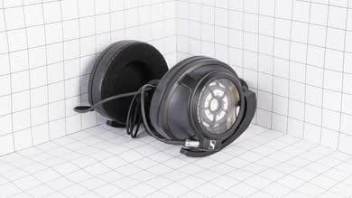 Sennheiser HD 820 Portability Picture