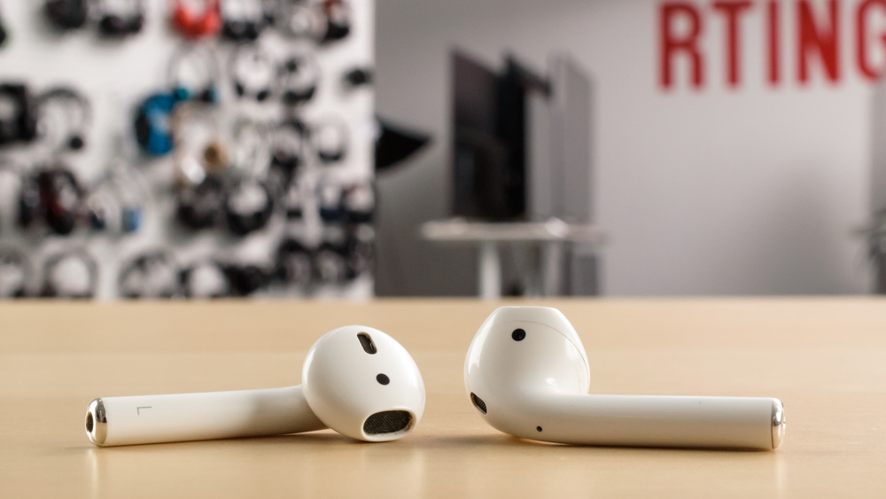 Apple AirPods 1 Truly Wireless 2017 Picture