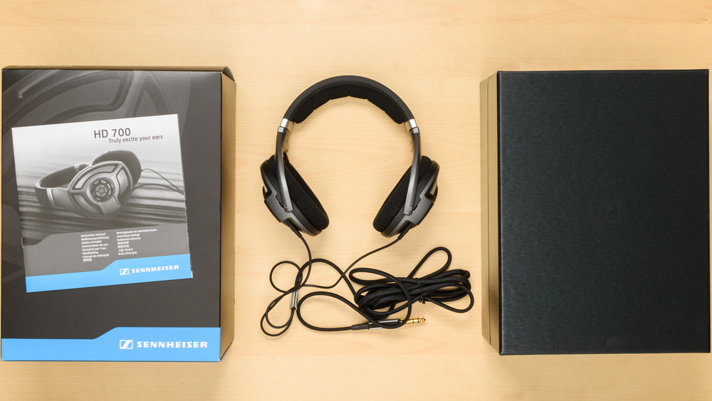 Sennheiser HD 700 In the box Picture