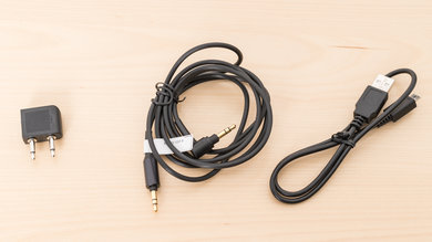 Sony WH-1000XM2 Cable Picture