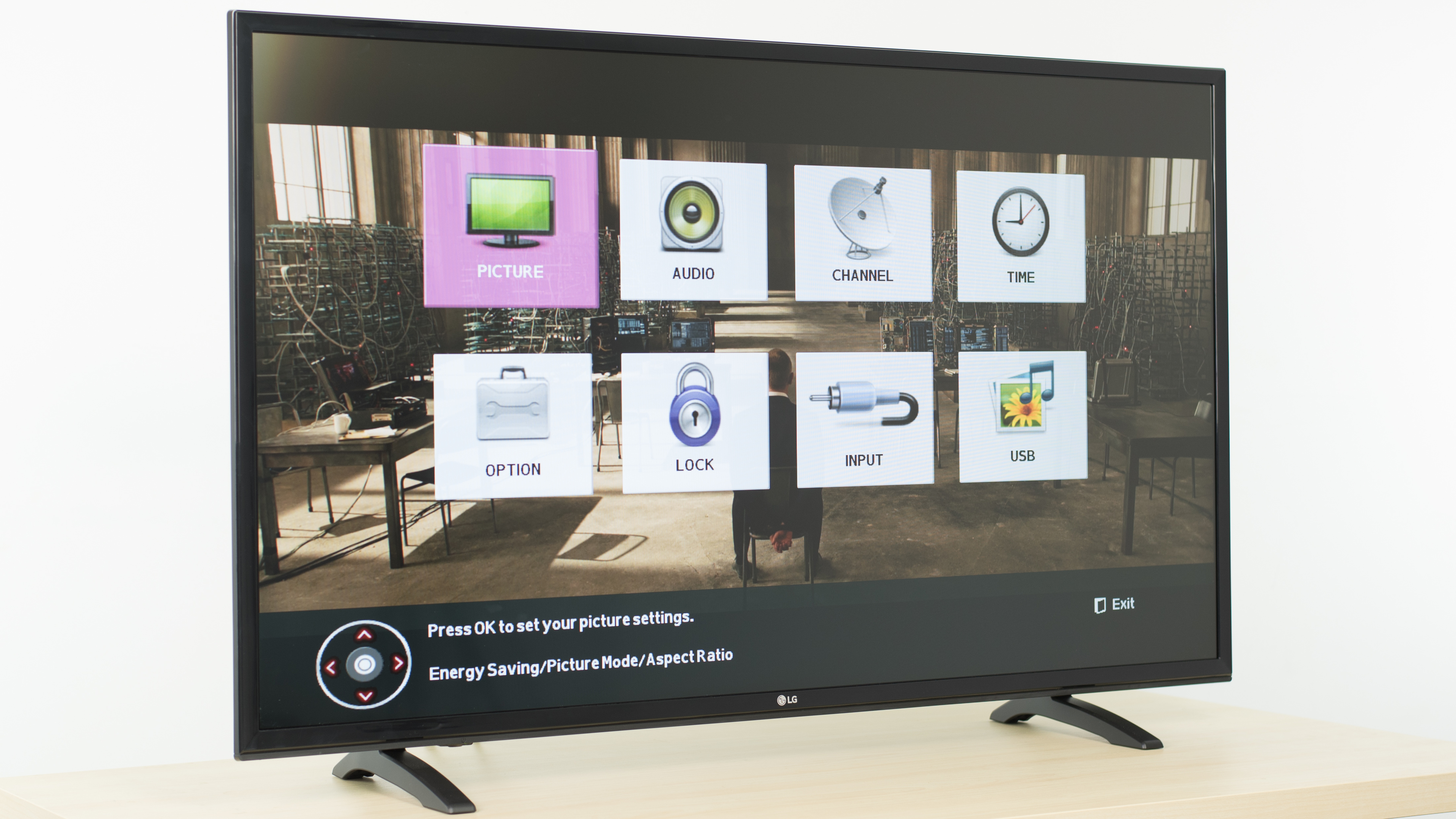 LG LH5000 Review (43LH5000) - RTINGS com