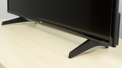 LG UH6100 Stand Picture