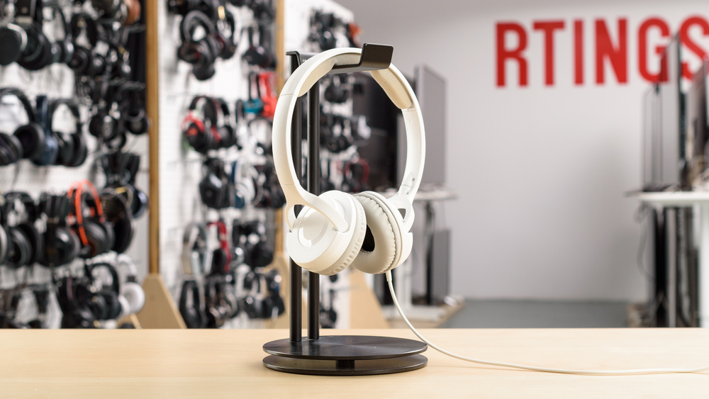 AmazonBasics Lightweight On Ear Picture