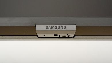Samsung RU8000 Controls Picture