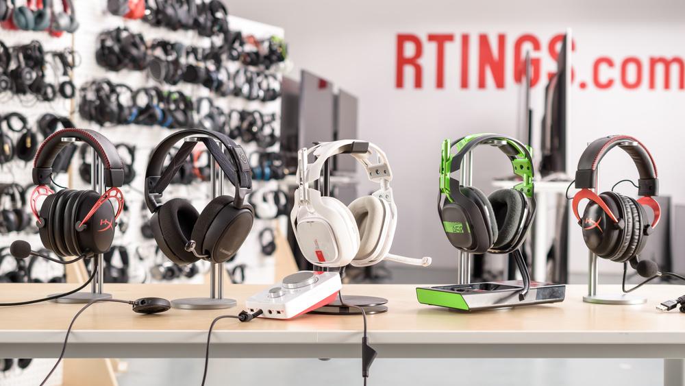 Astro A40 TR Headset + MixAmp Pro 2017 Compare Picture