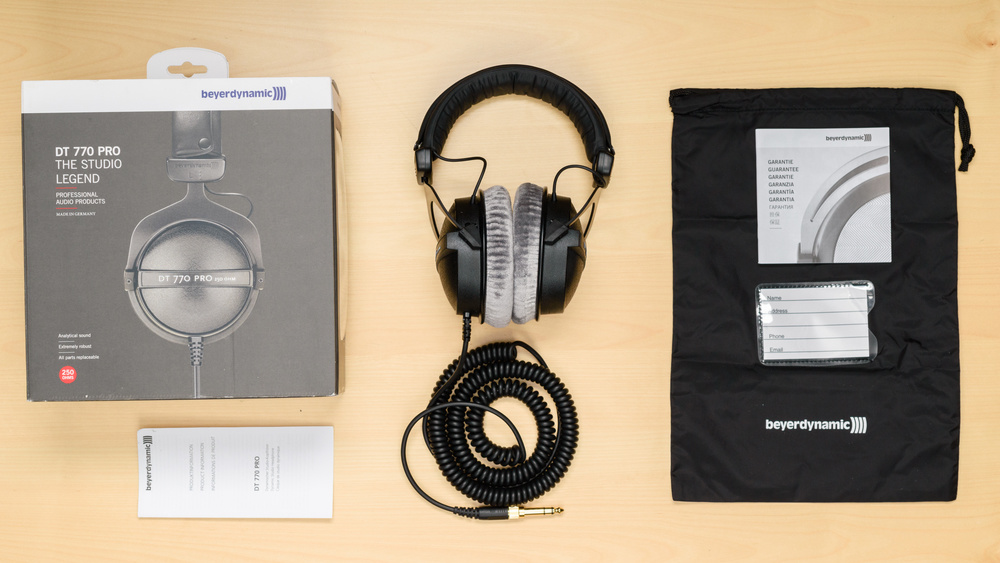 Beyerdynamic DT 770 PRO In the box Picture
