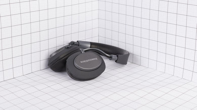 Bowers & Wilkins PX Wireless Portability Picture