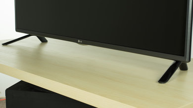 LG LF5600 Stand Picture