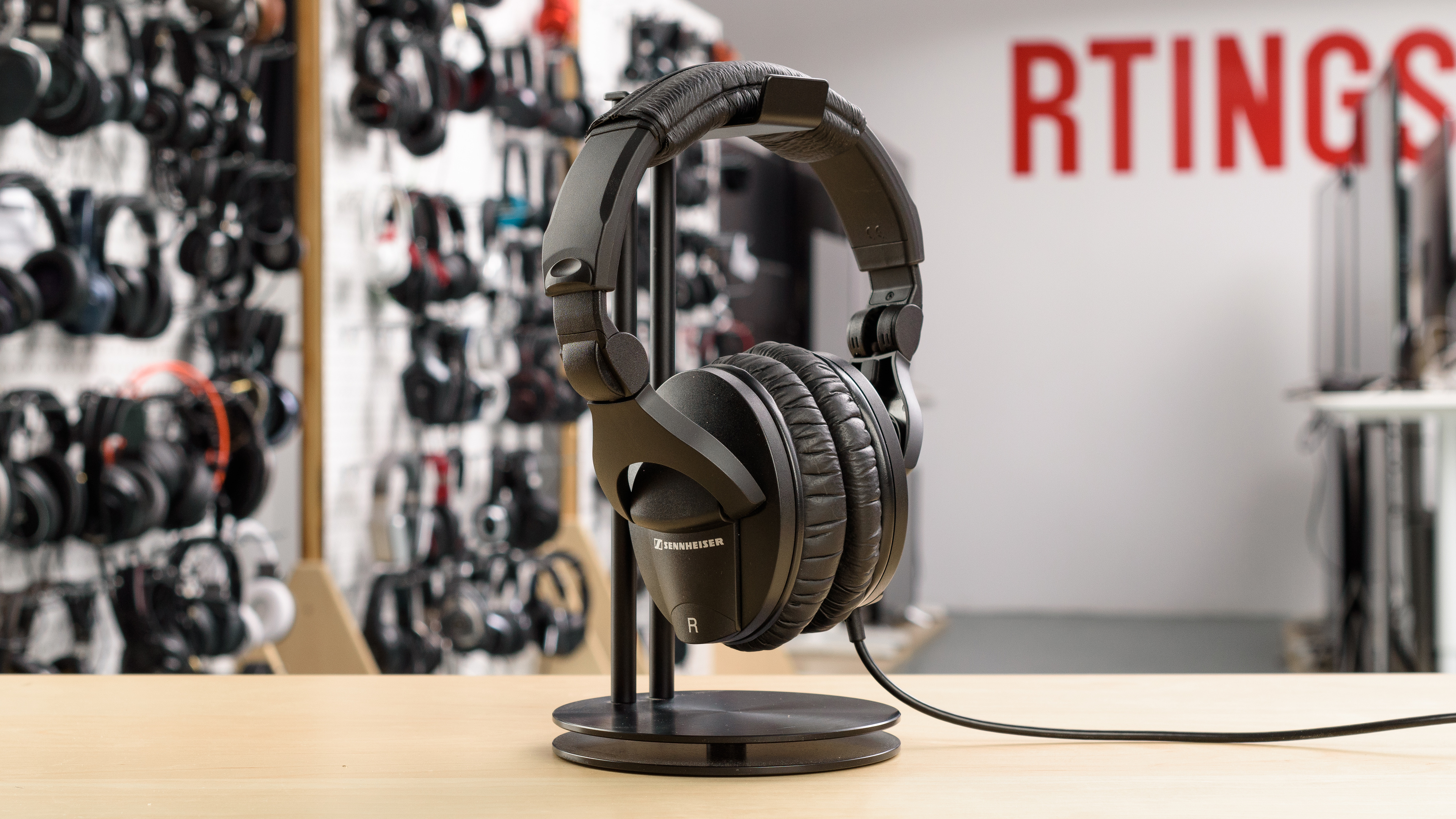 9275625c234 Sennheiser HD 280 Pro Review - RTINGS.com