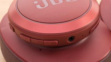 JBL Live 500BT Wireless Controls Picture