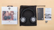 Bang & Olufsen Beoplay H9 Gen 1 Wireless In the box Picture