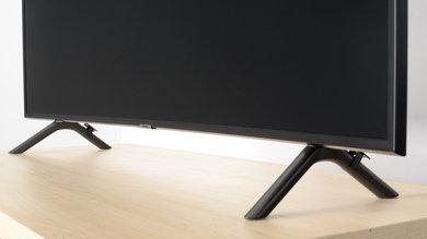 Samsung RU7300 Stand Picture