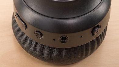 TaoTronics TT-BH060 Wireless Controls Picture