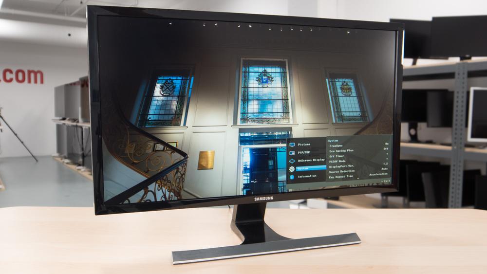 Samsung UE590 Design Picture