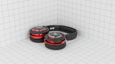 Creative Sound Blaster EVO ZxR Wireless Portability Picture