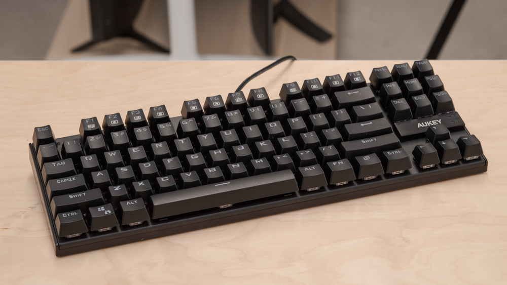 AUKEY KM-G9 Mechanical Keyboard Picture