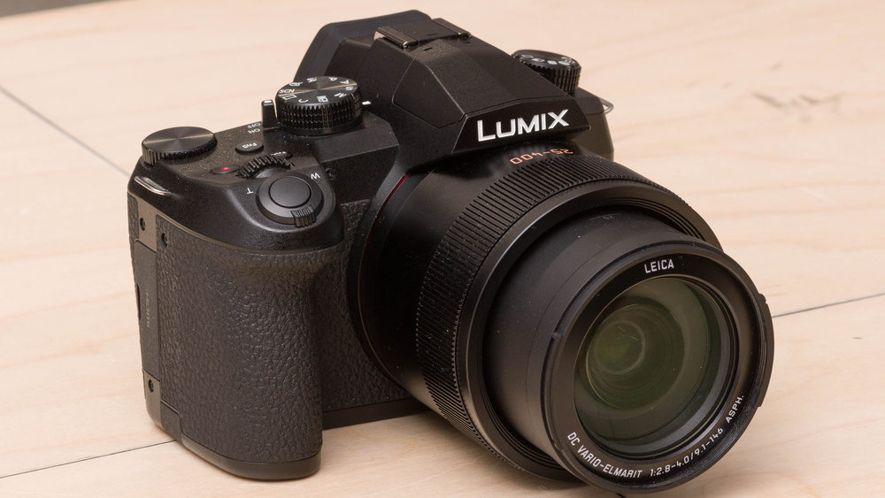 Panasonic LUMIX FZ1000 II Picture