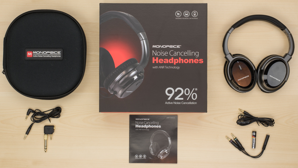 Monoprice Noise Cancelling In the box Picture