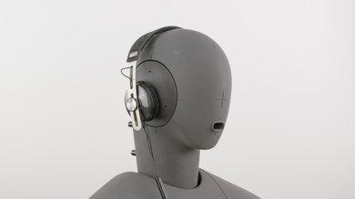 Sennheiser Momentum 2.0 On-Ear Angled Picture