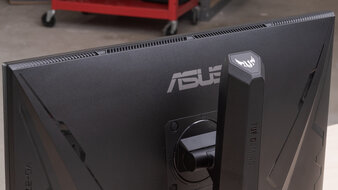 ASUS TUF Gaming VG27AQL1A Build Quality Picture