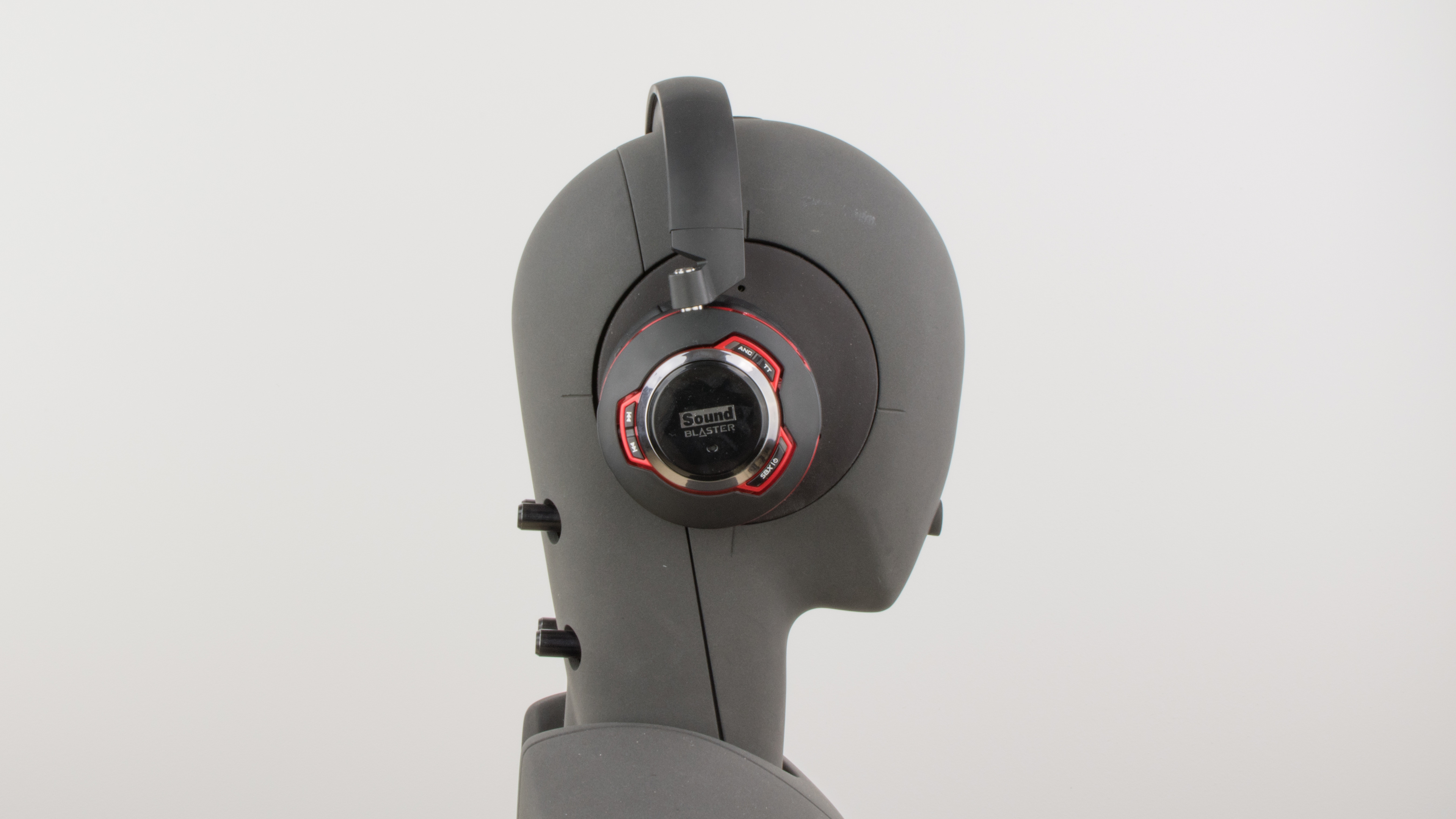 Creative Sound Blaster EVO ZxR Headset Review
