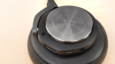 B&O PLAY Beoplay H9 Wireless Controls Picture