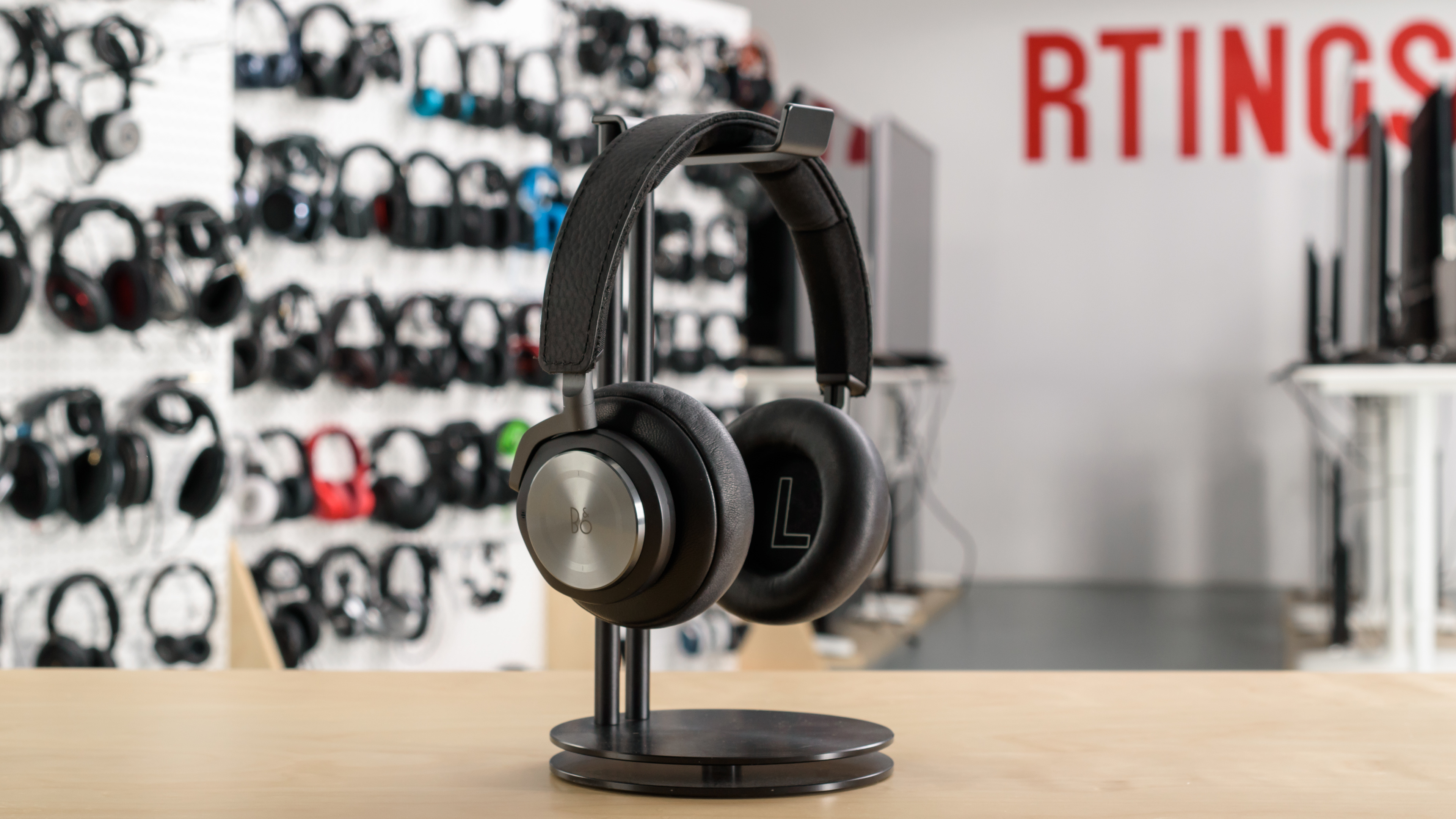 Bo Play Beoplay H9 Review Bang Ampamp Olufsen H3 Lightweight Earphone Black Design Picture