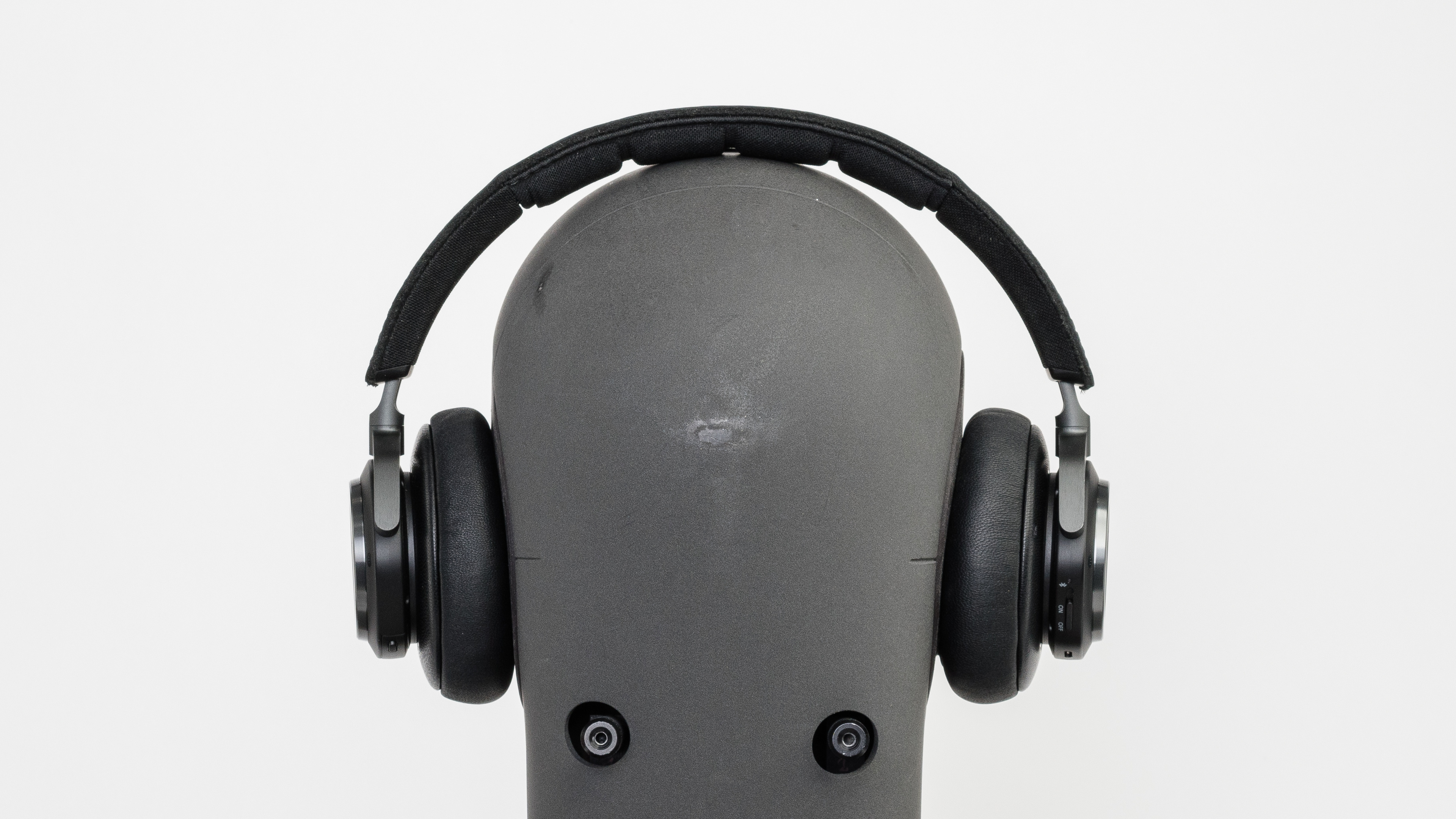 Bo Play Beoplay H9 Review Bang Ampamp Olufsen H3 Lightweight Earphone Silver Stability Picture